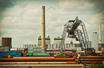 Przenoszenie fabryk  i zakładów w kraju i za granicę
