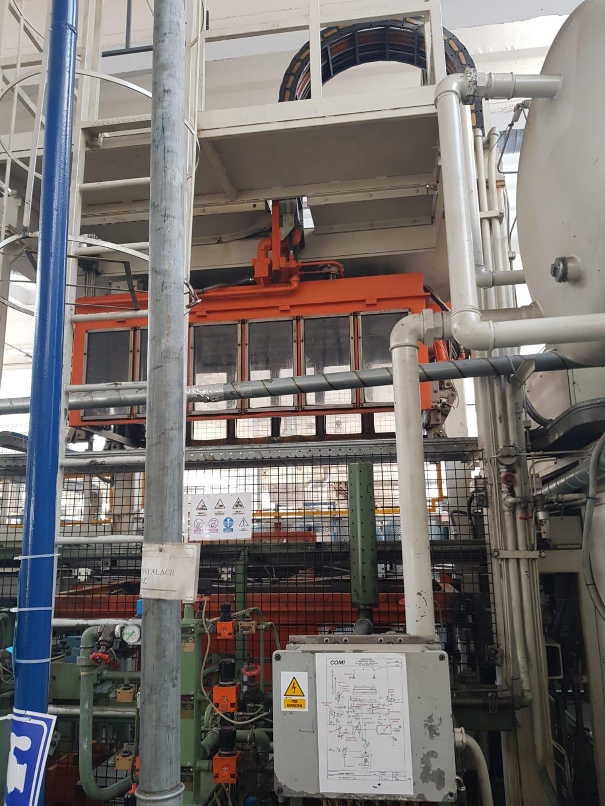 Termoformiarka  maszyna do formowania dużych elementów z tworzywa sztucznego