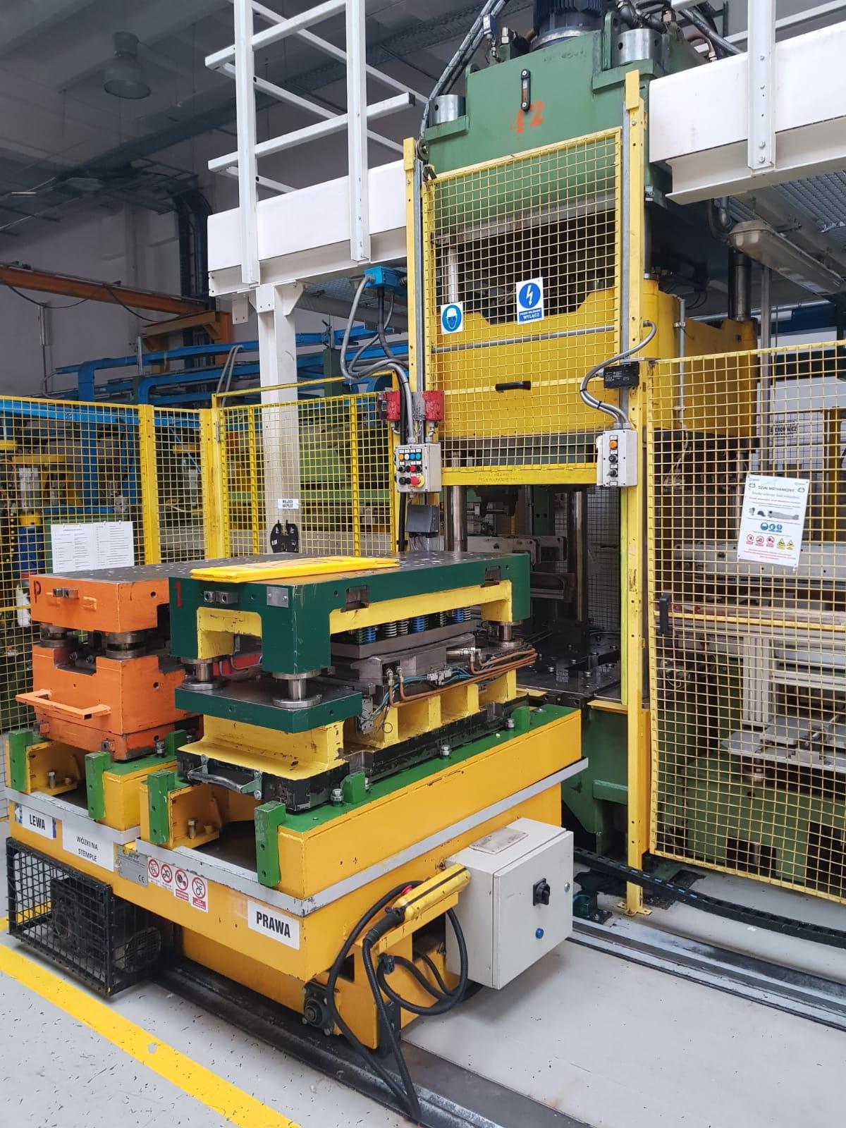 linia-do-produkcji-wyrobow-z-blachy