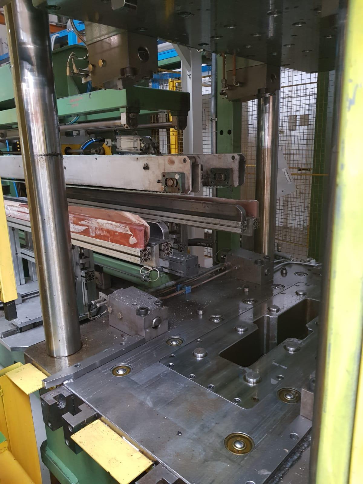 linia-produkcji-wyrobow-z-blachy